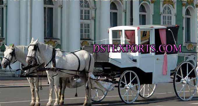 Wedding Beautiful Covered Carriage For Sale