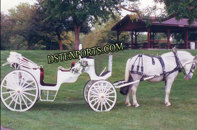 Elegent Wedding White Victoria Carriages