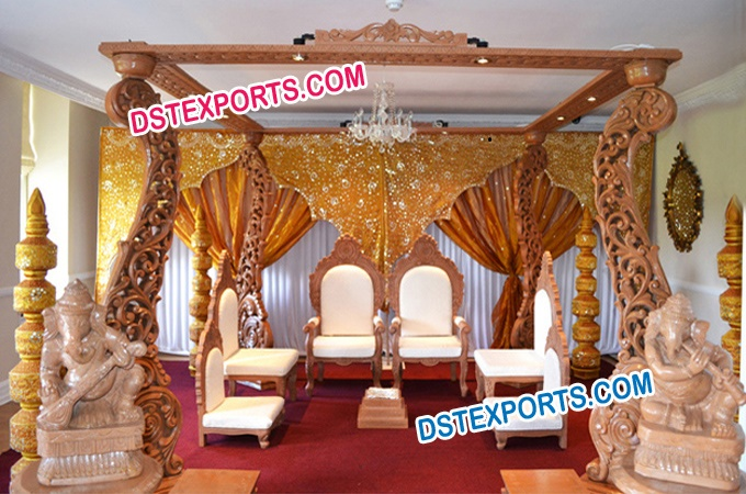 Four Pillars Wooden Peacock Mandap Set