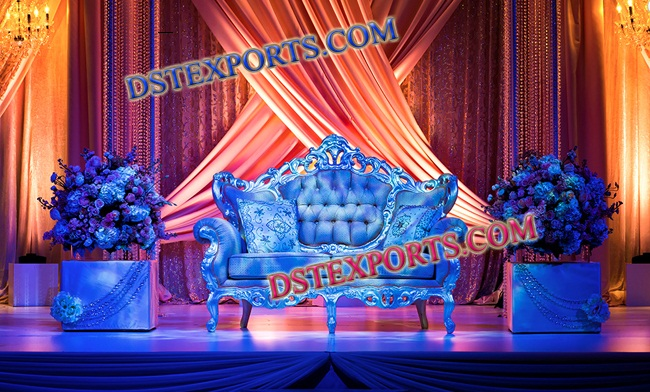 ROYAL WEDDING LOVE SEATER