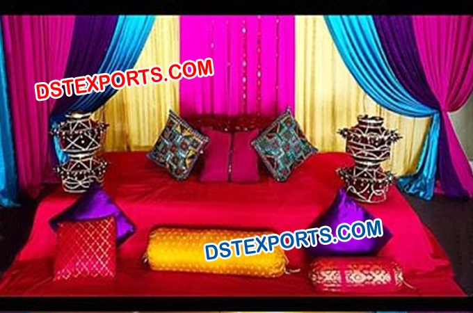Beautiful Rich Coloured Maiya Mehndi Decoration