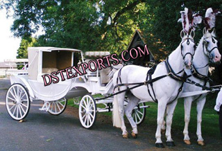 Covered Turist Horse Carriage For Wedding