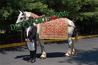 Wedding Traditioal New Horse Costumes