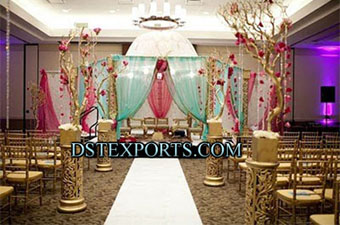 Wedding Stage With Golden Fiber Pillars