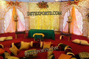 Mehndi Stage With Carved Backdrop Panels