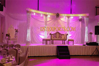 Stylish Wedding Crystal Pillars Stage Set