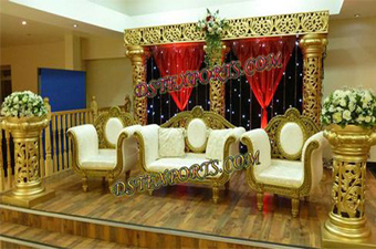 Latest  Wedding Golden Fiber Pillars Stage Set