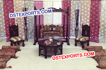 Wedding Stage With Black Antique Jhula
