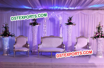 Wedding Stage With Stylish Crystal Pillars