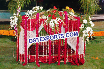 Indian Wedding Traditional Dulhan Doli