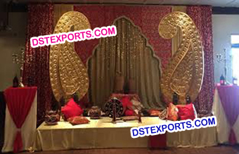 Mehandi Stage Decor Paisleys Carrys