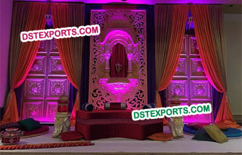Punjabi Wedding Jharokha Panel Mehndi Stage