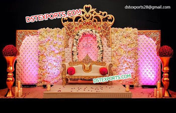 Wedding Stage Leather Tuffted Walls Golden Crown